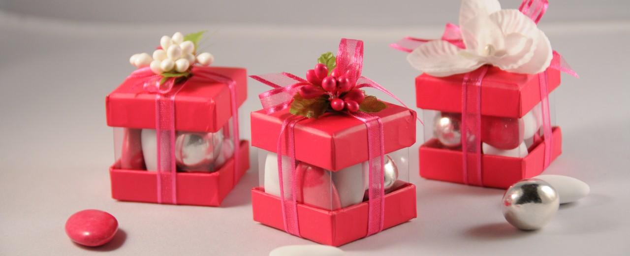 contenant cube fushia 1280 520