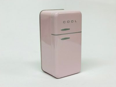 Petit frigo rose pâle